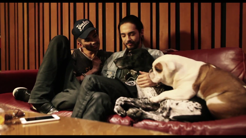 http://tokiohotelcz.sosugary.com/albums/userpics/10001/normal_vlcsnap-2014-12-07-14h41m03s243.png