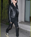 bill-kaulitz-steps-out-with-freshly-bleached-hair-02.jpg